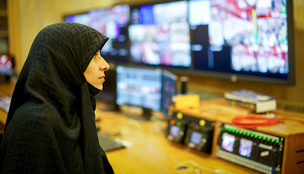 A Challenging Crossroad: Media and Politics in Iran
